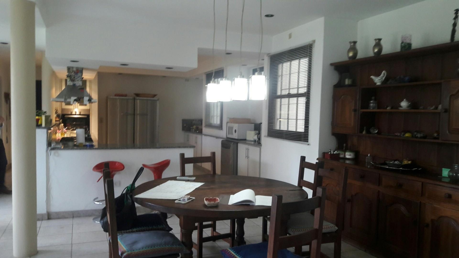 Casa en Manuel B Gonnet con 4 habitaciones