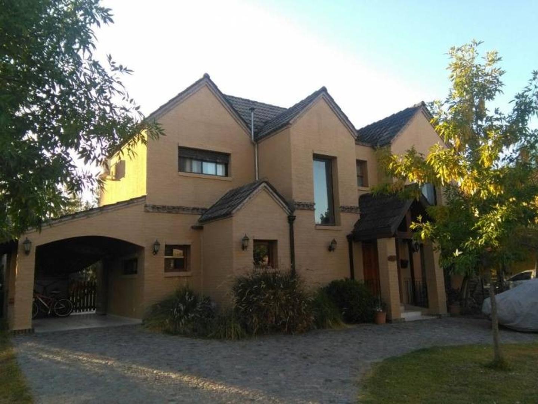 Casa estilo clásico en Barrio Santa Catalina.