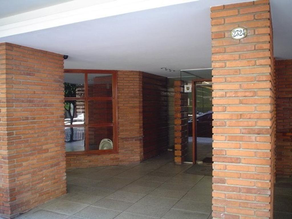 Gorostiaga y Av. Cabildo - Dpto. 3 Amb. Muy Luminoso, Vista Abierta, Inmejorable Ubicación