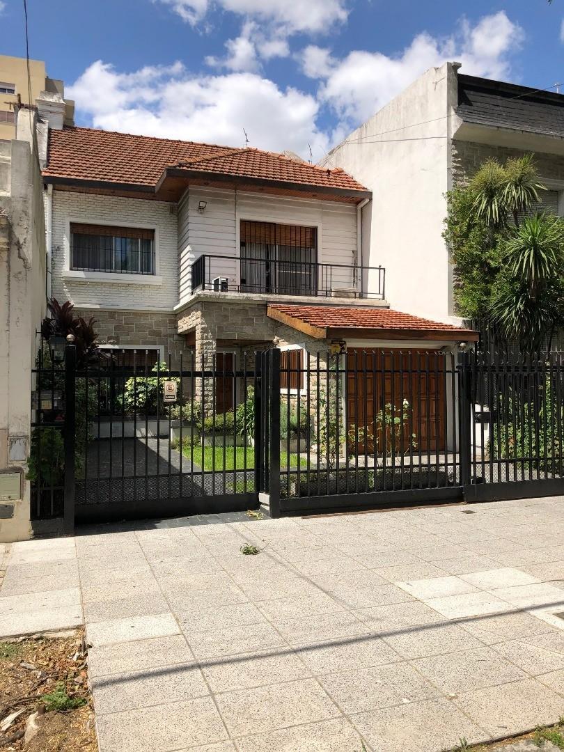 Casa en Venta en Villa Devoto - 6 ambientes