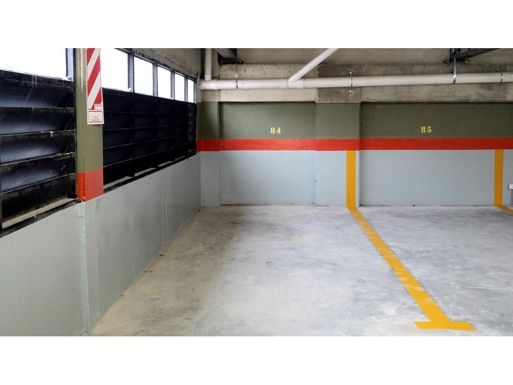 Cochera Fija Techada - Edificio a estrenar