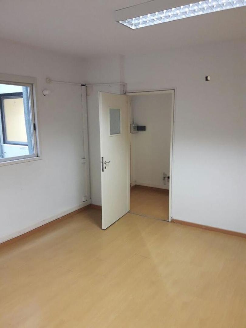 Alquiler de oficina de 50 m2 en Microcentro