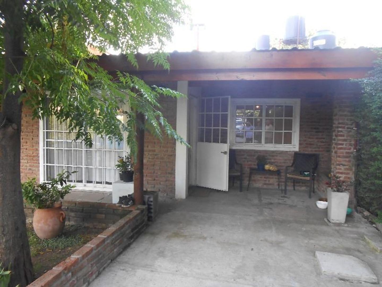 """Casa en Gral.Rodríguez, Barrio """"Los Naranjos""""."""