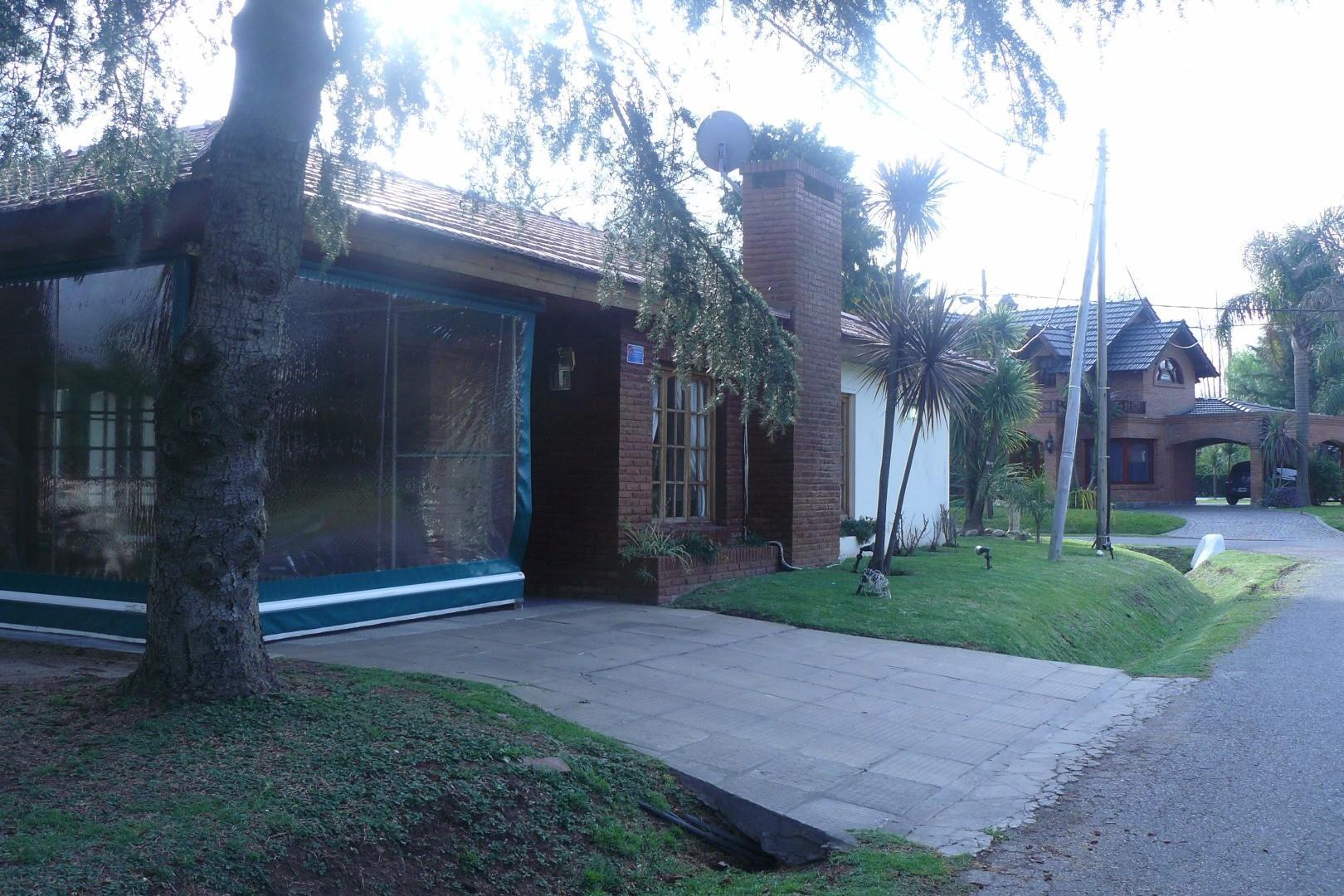 Casa en Alquiler en Banco Provincia - 4 ambientes