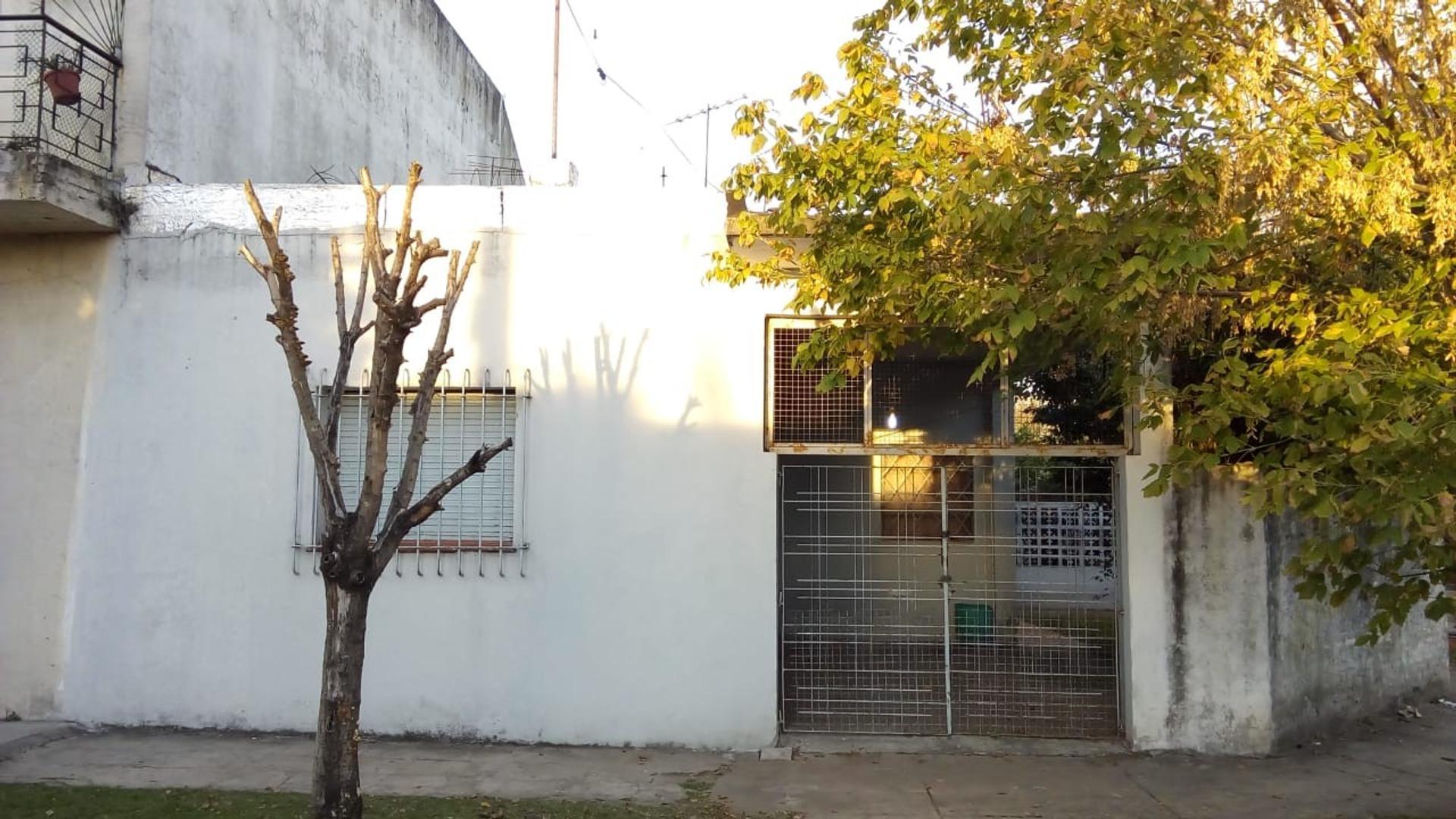 Casa en Venta en Villa Tesei Oeste - 4 ambientes