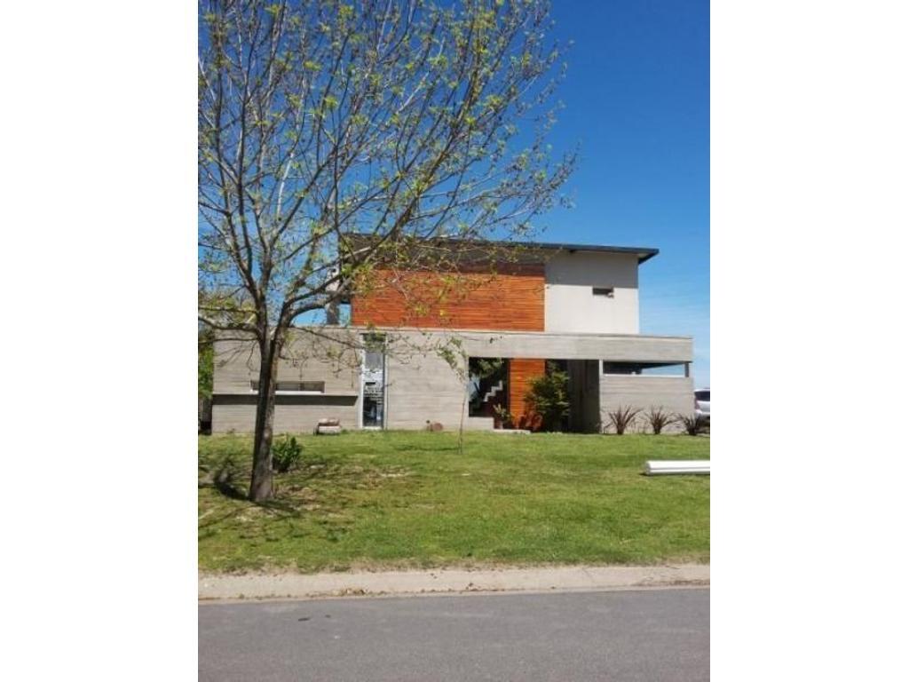 Lindísima casa estilo moderno sobre gran espejo de agua, BC Santa Clara