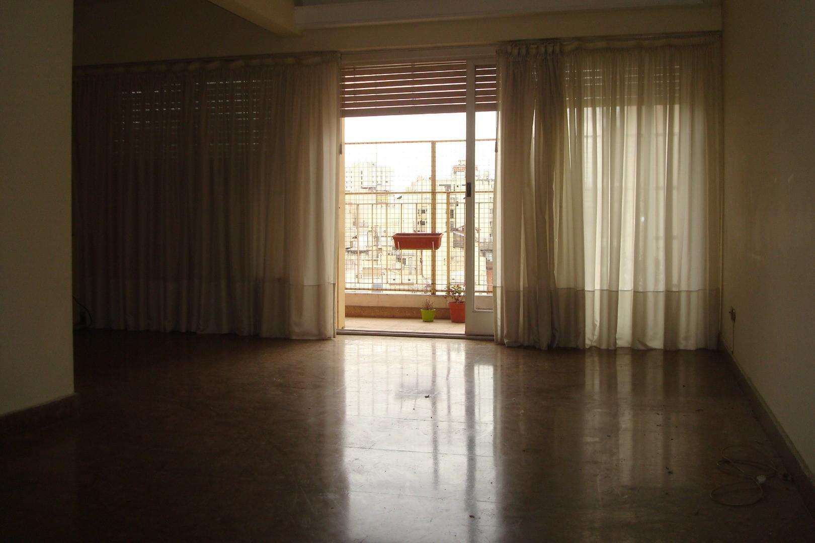 SEMIPISO 3 AMB 80 mt. LIVING-COM EN L. COC-COM. 2 BAÑOS. BAULERA. BALCÓN. CONTRAFRENTE.A mts DE OLAZ