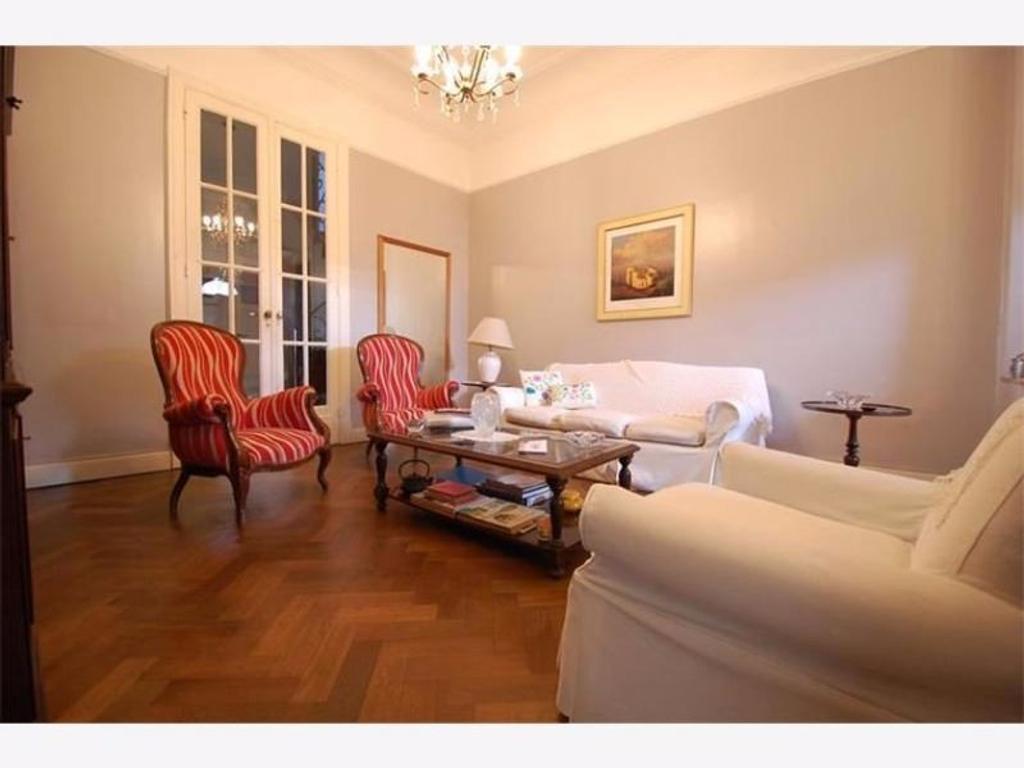 RESERVADO!  Laprida 1200-Hermosa casa de estilo IMPECABLE!