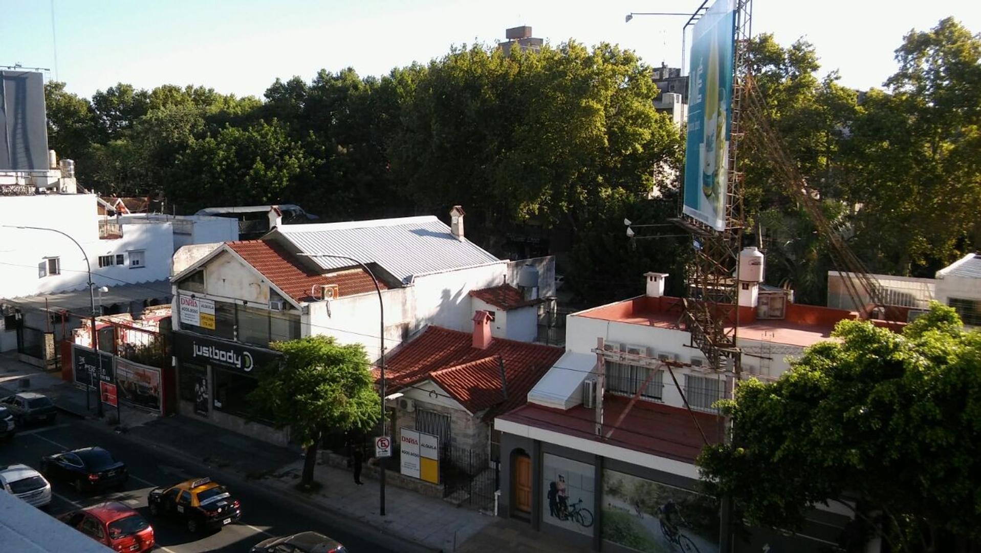 Av. Del Libertador 1100, V. López.