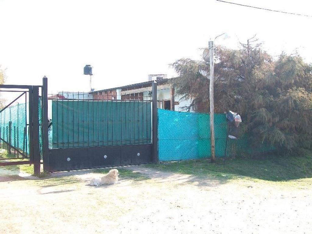 PROPIEDAD EN BARRIO LUNA. LIVING, COCINA-COMEDOR, BAÑO Y DORMITORIO.