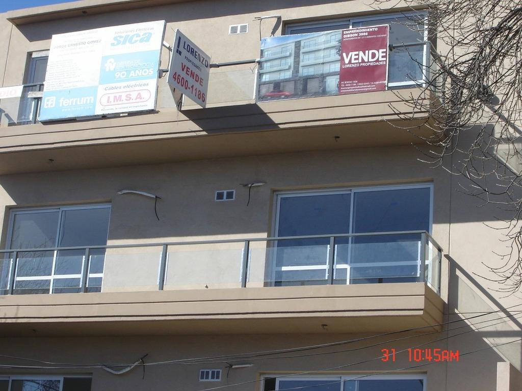 Departamento de 2 amb. al frente con balcon