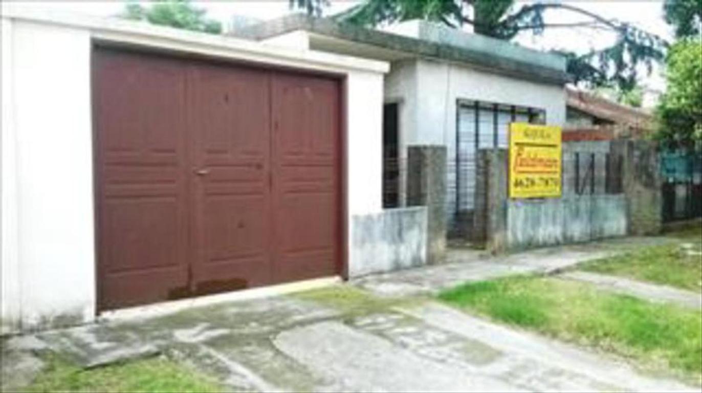 Casa en Alquiler de 3 ambientes en Buenos Aires, Pdo. de Moron, Castelar, Castelar Norte
