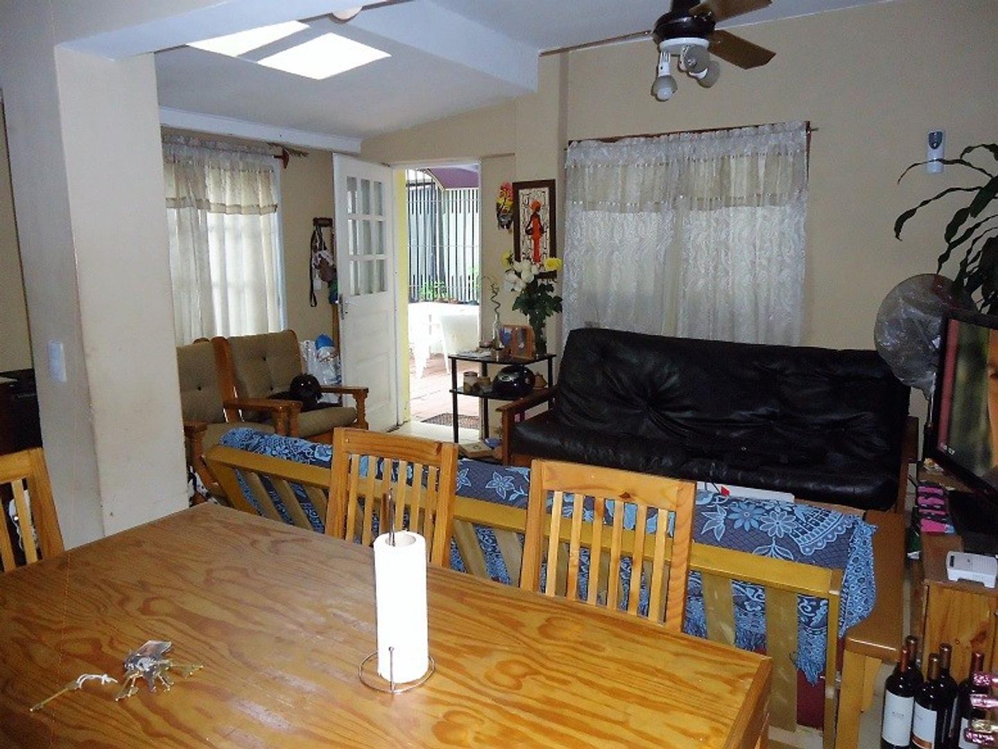 XINTEL(ALV-ALV-3539) Casa - Venta - Argentina, Carapachay - Silveyra 3600