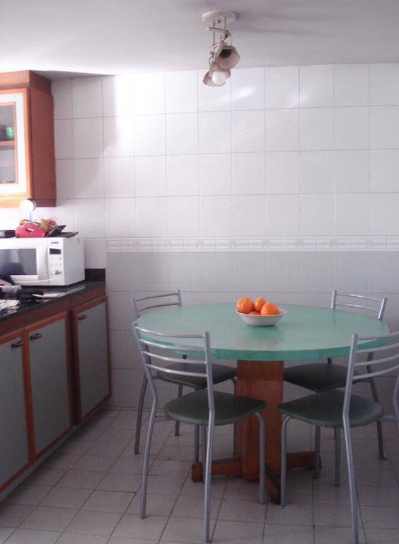 Casa 4 ambientes, con escritorio y cochera en Villa Devoto , a 4 cuadras Plaza Arenales