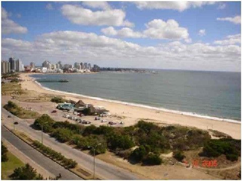Departamento en Alquiler Por Temporada en Playa Mansa - 4 ambientes