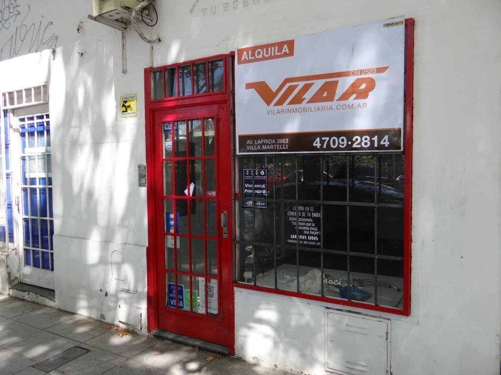 Muy buen local en dos plantas, 77 mts2 cubiertos, en exc ubicfrente a estacion FFFCC Vicente Lopez