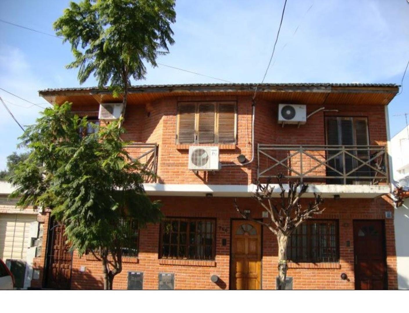 XINTEL(MGG-MGG-1848) Casa - Venta - Argentina, La Matanza - BERUTI 738