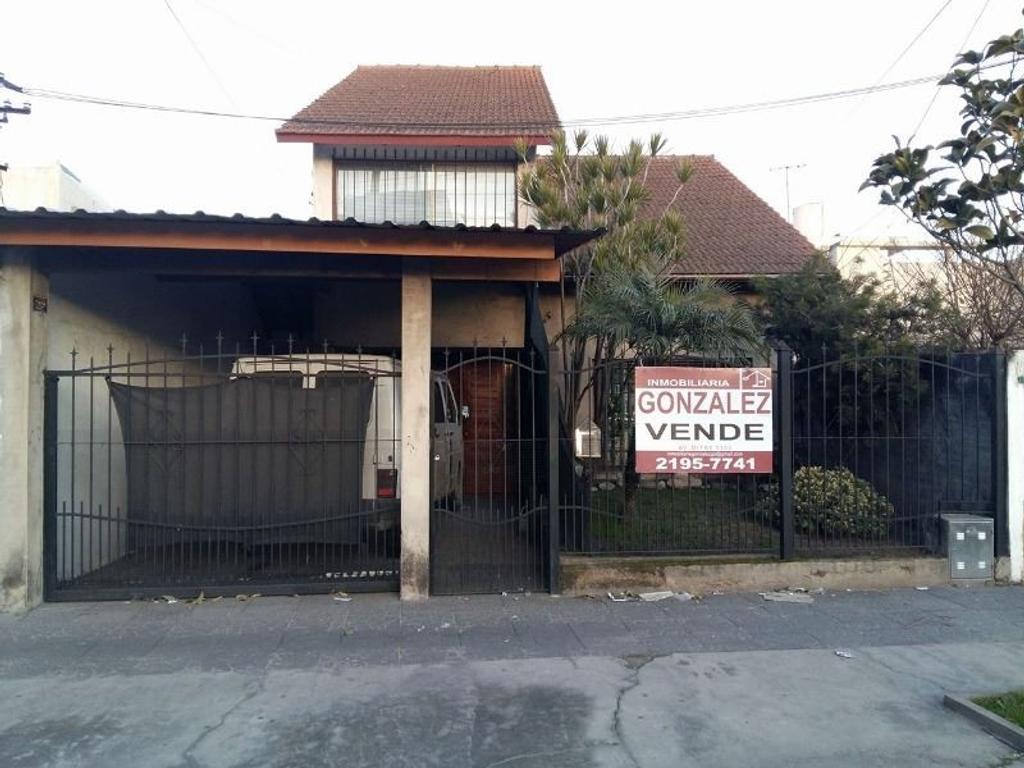 Chalet en venta Av Belgrano y Lynch. Wilde