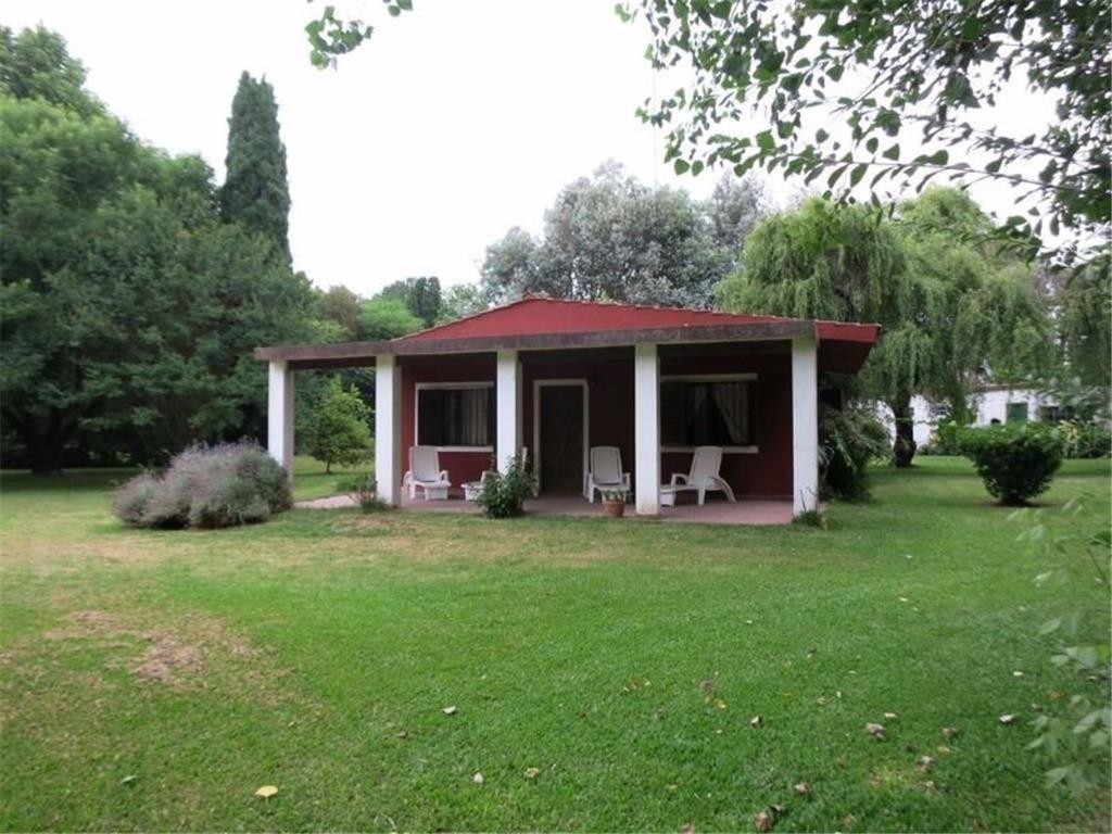 Quinta en Venta en El Remanso, Barrio Parque. Lote de 2000 mts. 3 dormitorios. Pileta.
