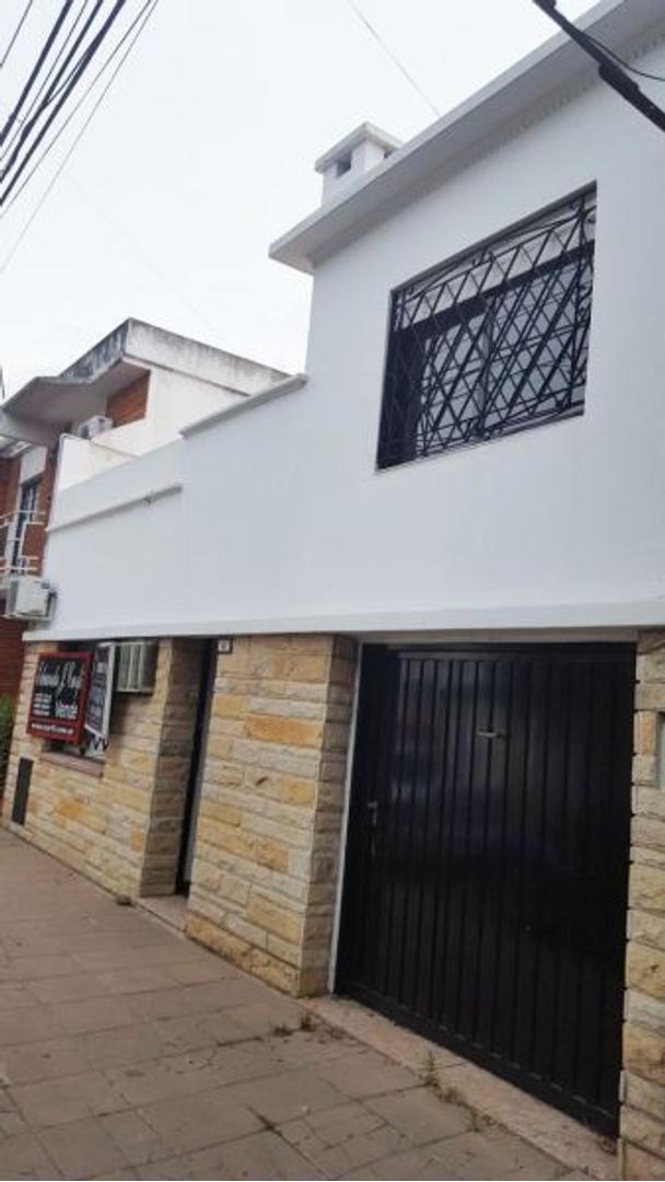 XINTEL(PPI-PPI-77) Casa - Venta - Argentina, Castelar - LEOPARDI  AL 600