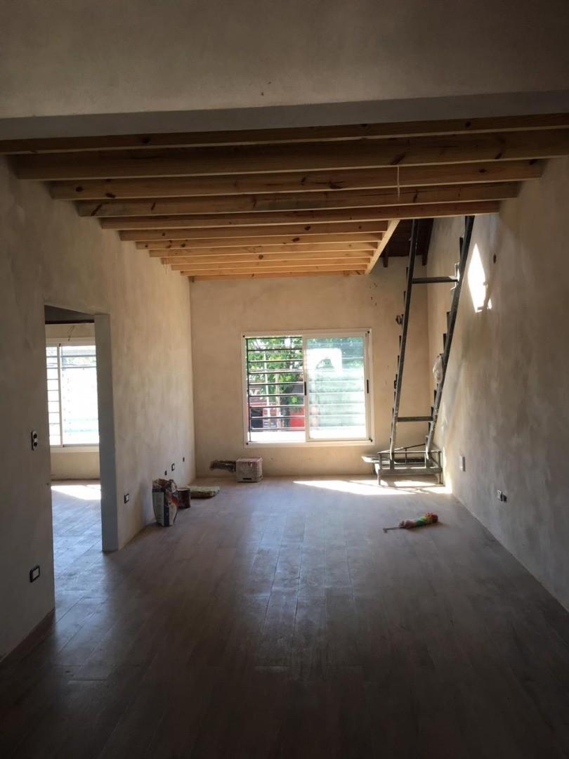 Casa en Venta - 4 ambientes - USD 200.000