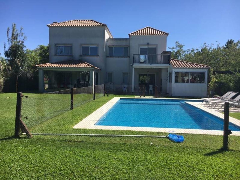 Casa en Alquiler - $ 120.000