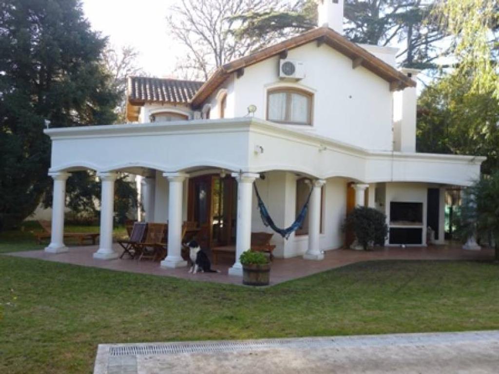 Casa en Los Fresnos, Pilar