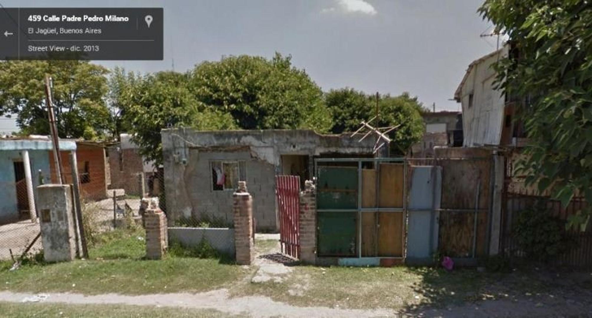 Lote 10x 30 con Casa sencilla. 7 C Estación.