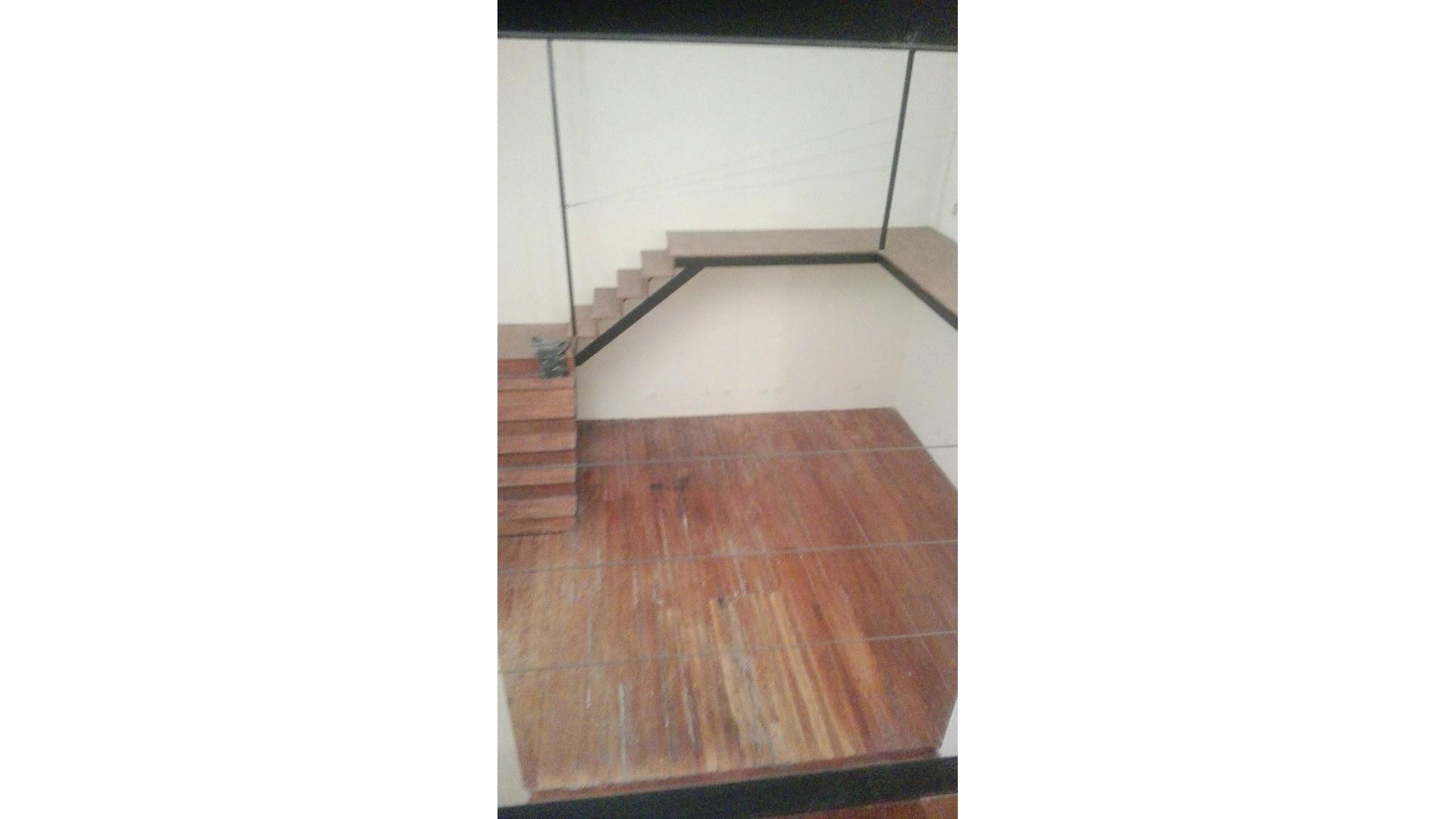 PH tipo duplex 2 ambientes. o 3 amb Reciclado. Baño y toilette. Lavadero. Apto profesional.