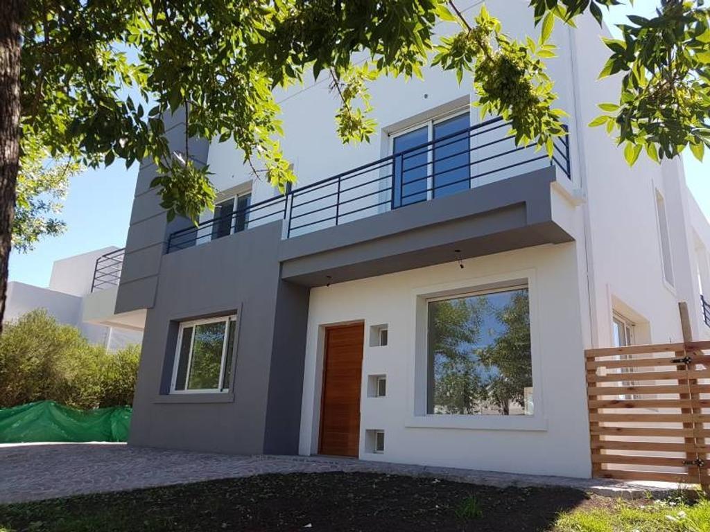 Alquiler casa a la laguna en Bº Sta Catalina, Villa Nueva