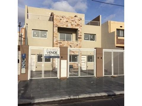 Triplex de 4 ambientes en Ramos Mejia a ESTRENAR