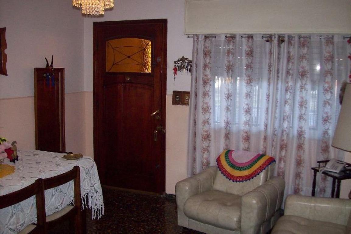 Casa en Venta de 5 ambientes en Buenos Aires, Pdo. de Merlo, Merlo, Merlo Norte