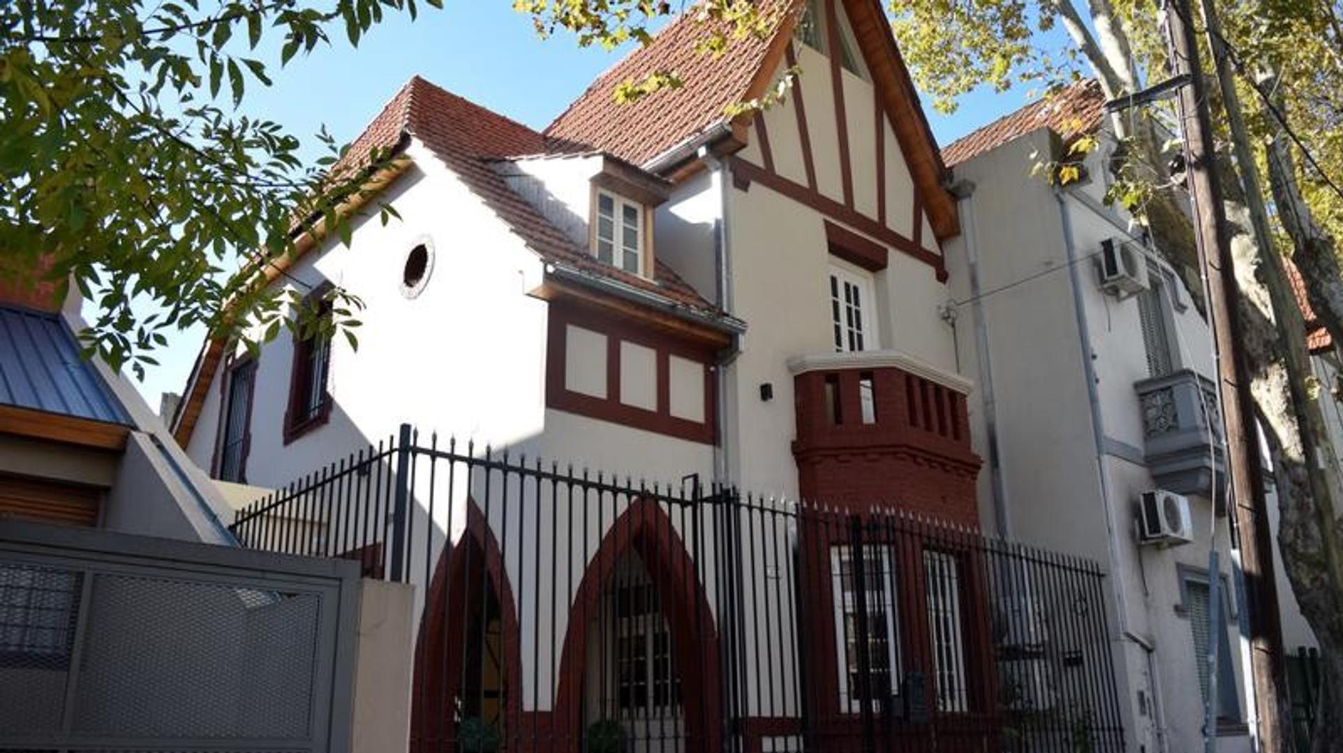 Casa en Belgrano R - 3 dormitorios - Cochera - Piscina