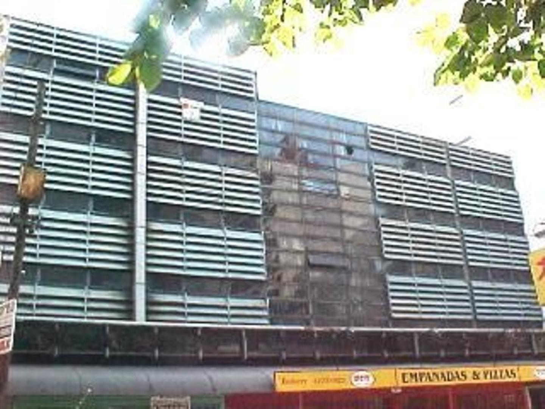 Cochera fija cubierta en Venta Avellaneda Centro en P.B.