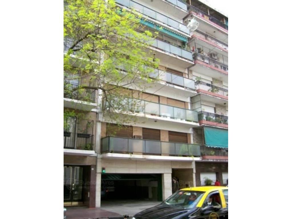 5 Ambientes frente con Balcón y Cochera
