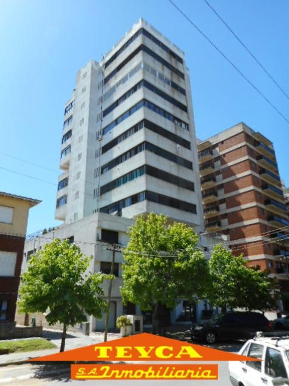 Departamento - Venta - Argentina, Pinamar - Av. Constitucion 555