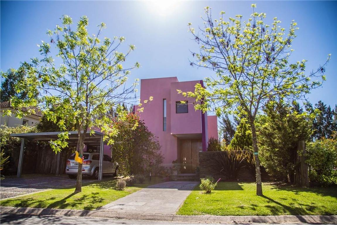 Hermosa casa en Venta en San Isidro Labrador