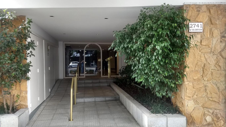 Excel depto muy lum sobre Avda Libertador 1 amb coc balcon cerca estac olivos