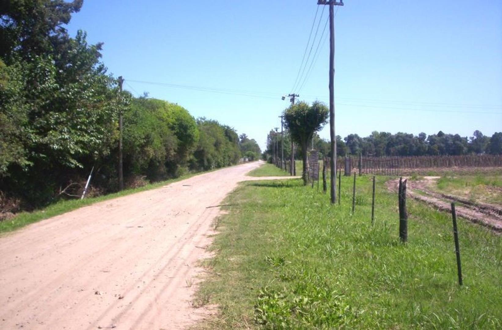 18 fracciones de campo en zona industrial Escobar
