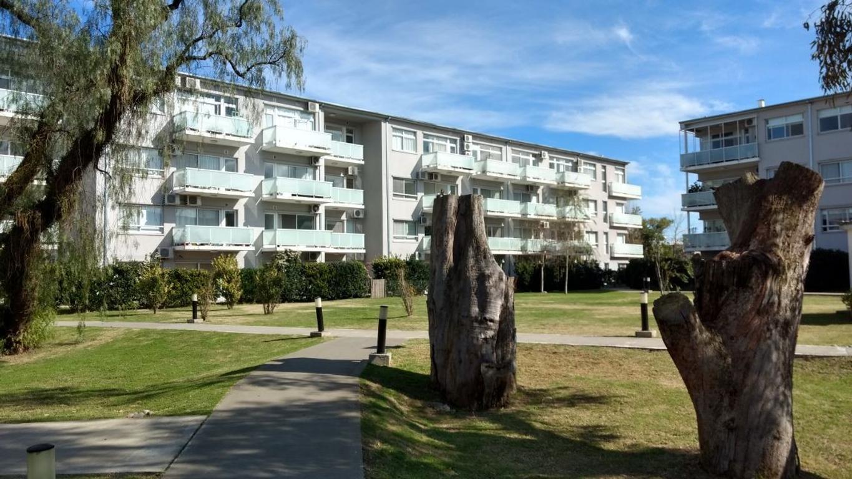 La Mora Tres ambientes a Jardín Central