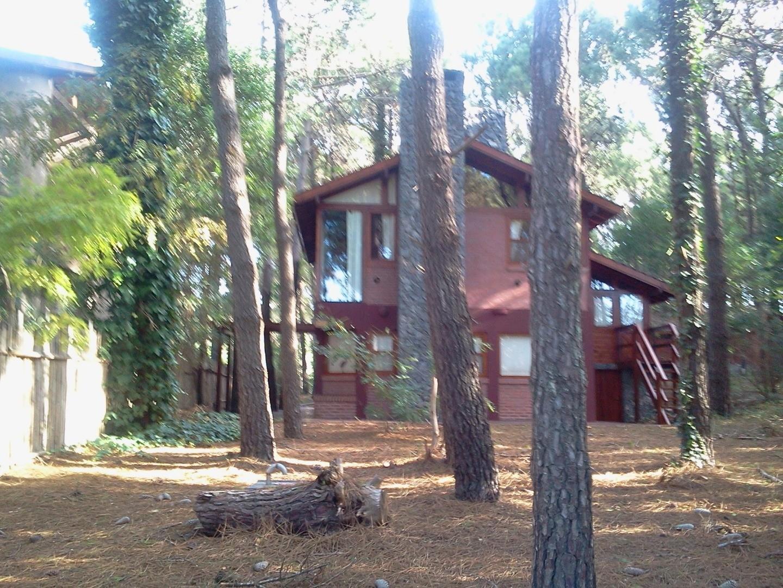 Casa en Alquiler en Mar De Las Pampas - 4 ambientes