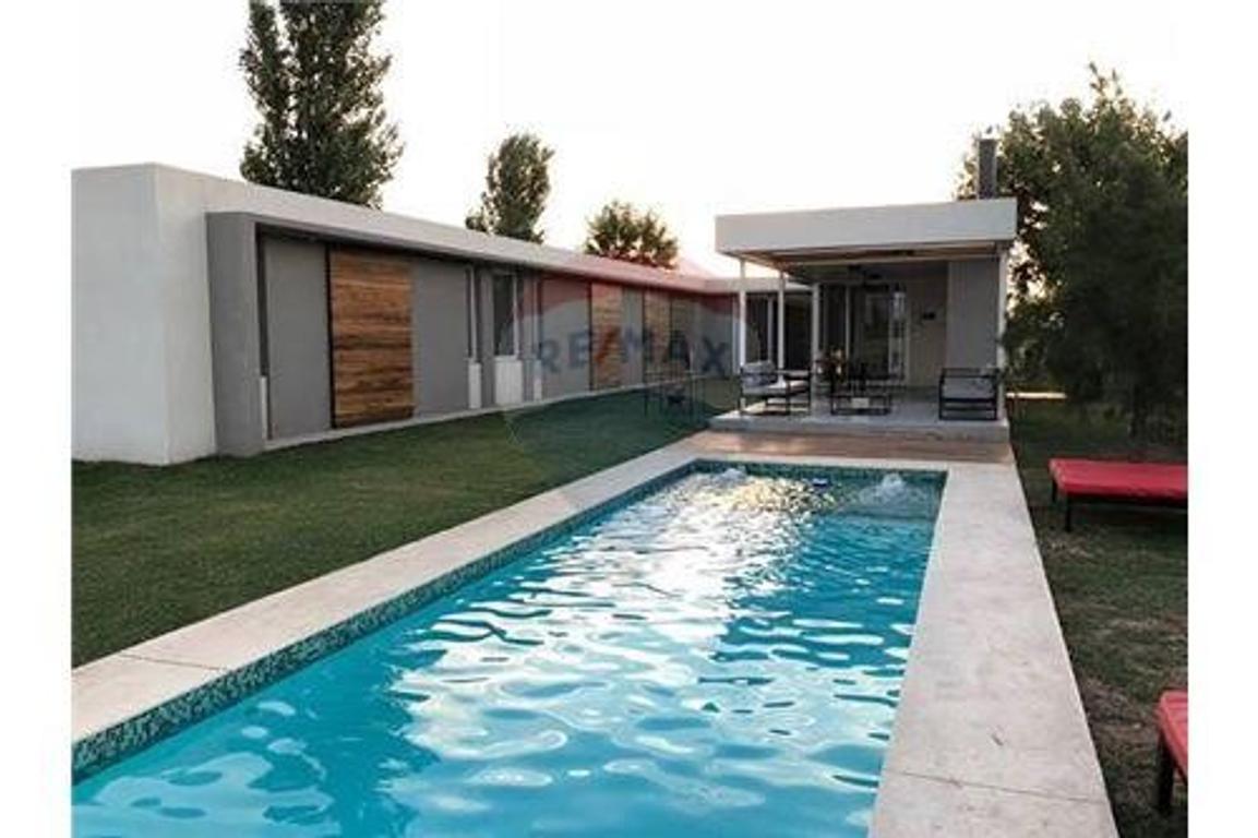 """Oportunidad Casa premium en """"La Rinconada"""" POLO"""