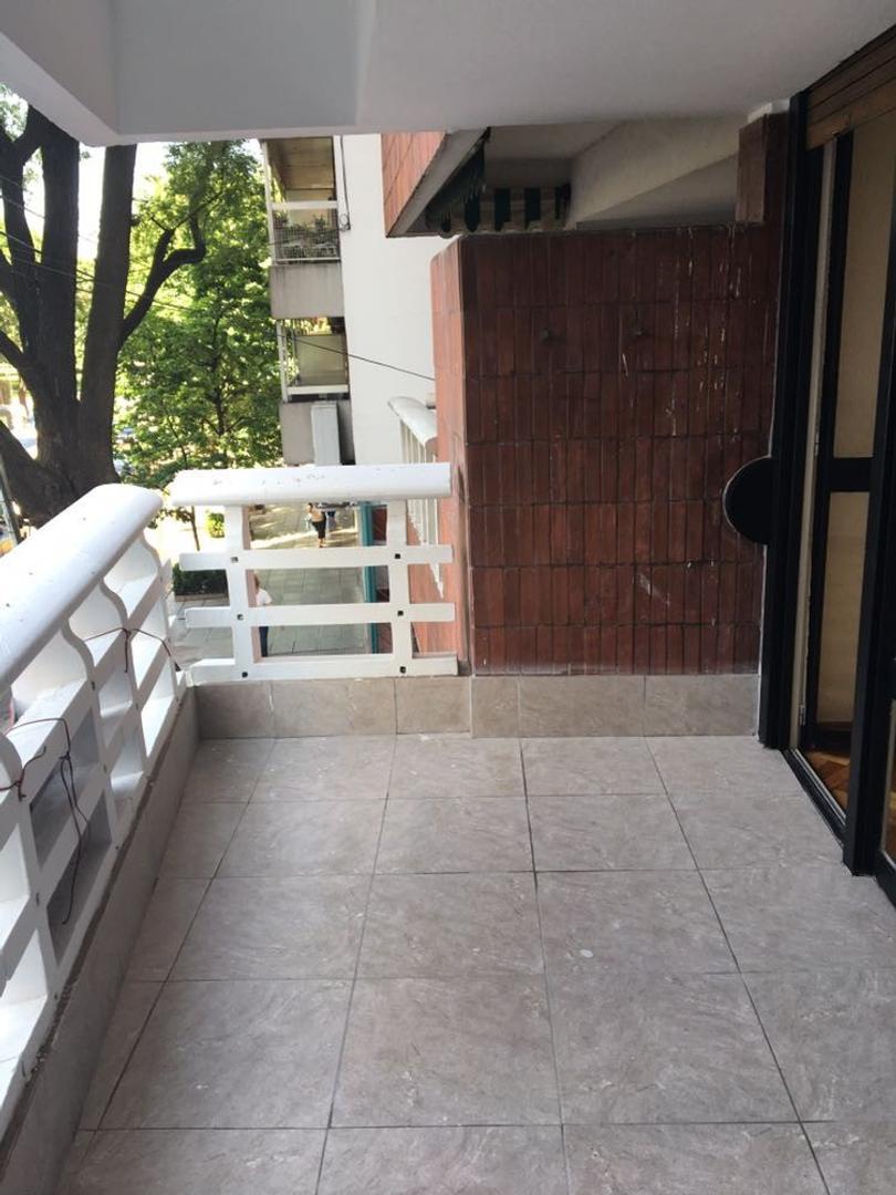 Impecable departamento de 3 ambientes y dependencia en Recoleta, zona Alto Palermo.