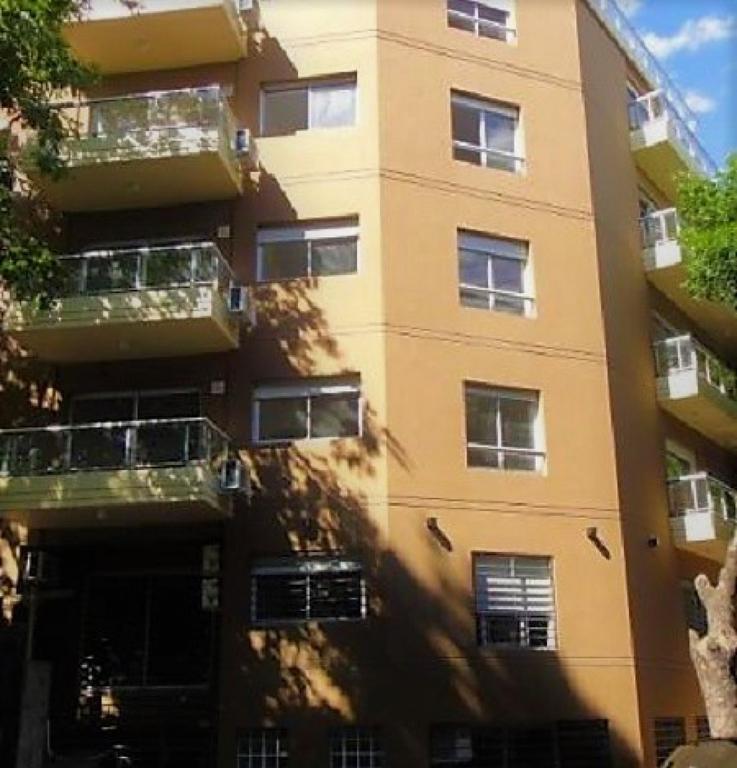 Monoambiente con lavadero y balcón
