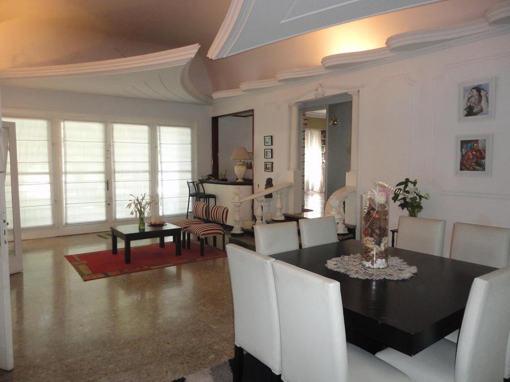 Casa En Venta En Avenida Juan Manuel De Rosas 4537 Jose Leon  # Muebles Jope Leon