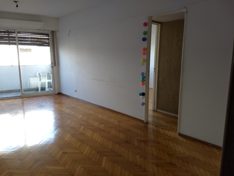 MUY BUEN DEPARTAMENTO! 3 dormitorios con COCHERA Y BAULERA. BILLINGHURST Y SOLER!