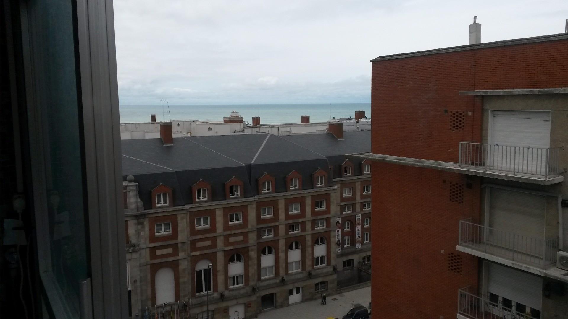 2 amb.a la calle con balcon corrido, frente al Hotel Provincial. OPORTUNIDAD!!!