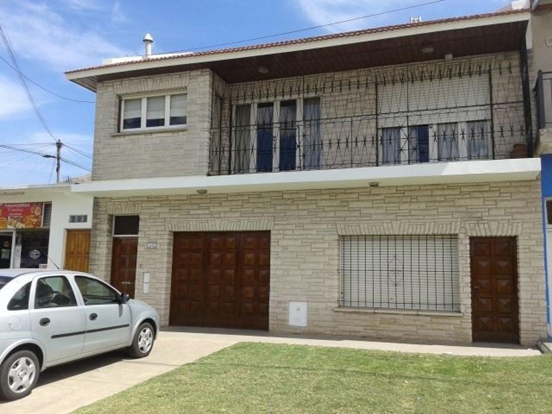 Chalet en 2 plantas s/ Av. Colon. Ideal Locales+Vivienda