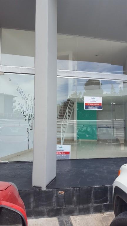 Excelente locale - Agora II - 46 Plaza - Baño - cocina - cochera