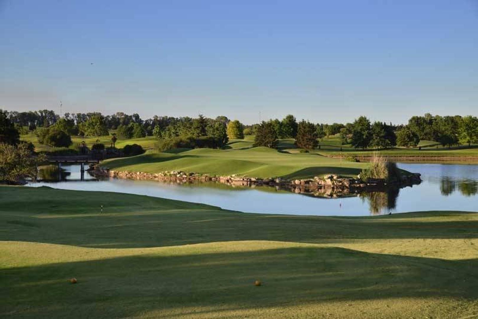 Venta de Lote en Pilar Golf -Pilar